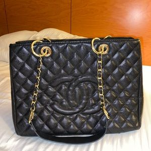 AUTHENTIC BLACK AND GOLD CHANEL TOTE PURSE